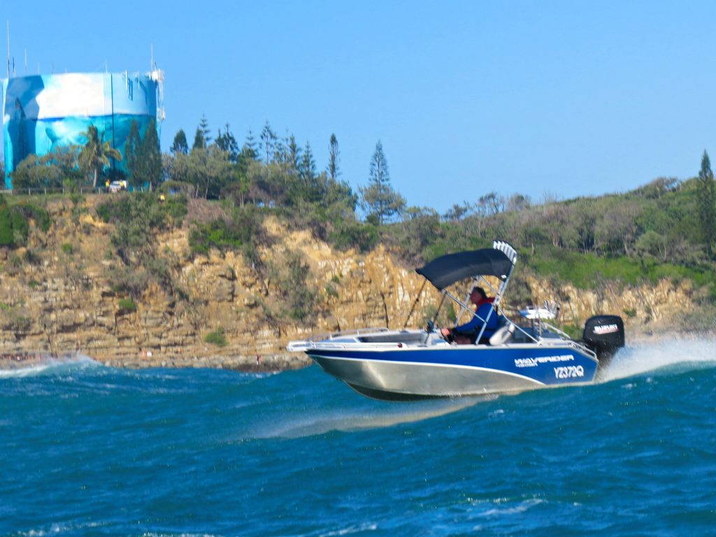 Stable offshore in a Waverider 450 Bowrider