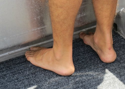 Plenty of room for feet to go under the foam-filled side decks.