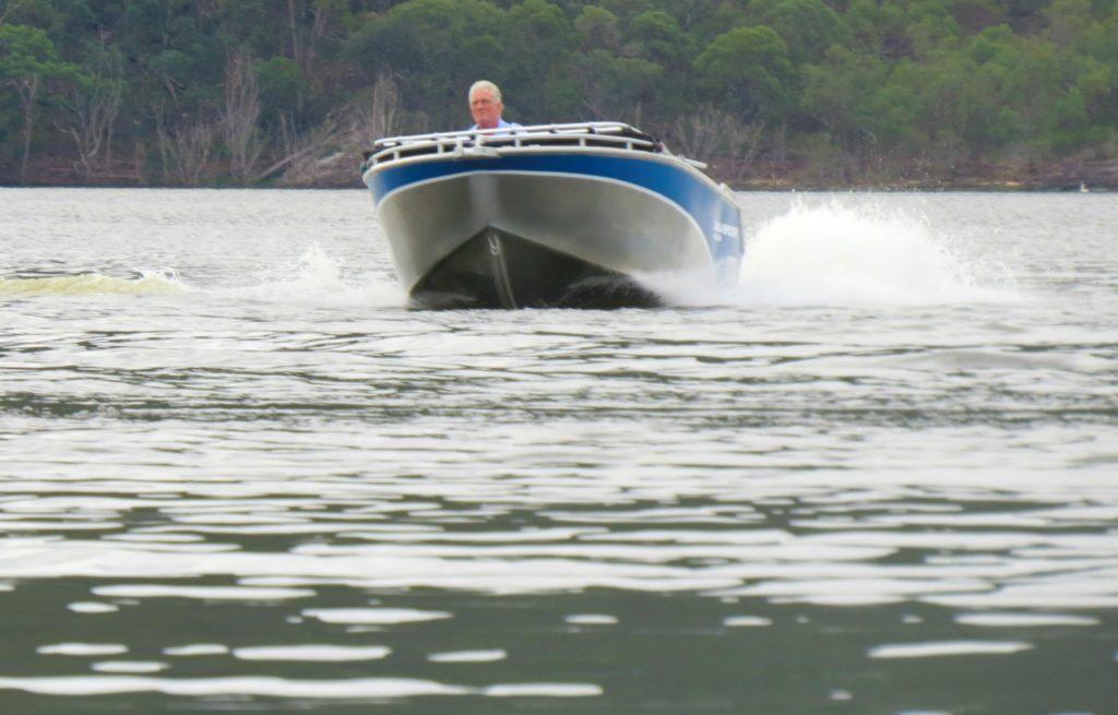 Waverider 450 Bowrider