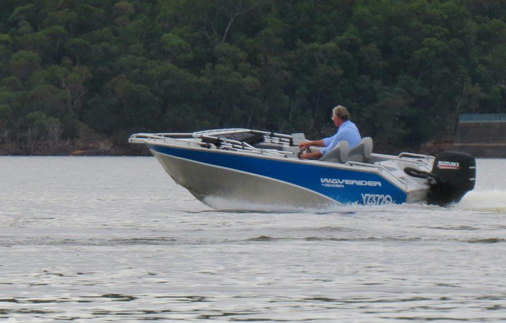 Waverider on sharp turn