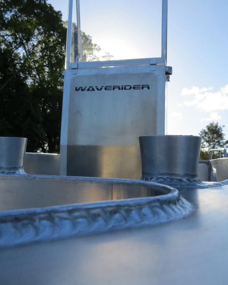 Beautiful welds & finishing on AusShips built Waverider 500 Lux Centre console